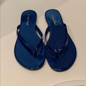 Shoes - Just earl flip flops